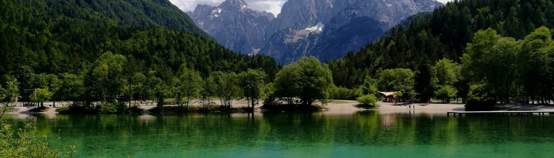 Plan outdoor vacation, Jasna lake in Kranjska Gora
